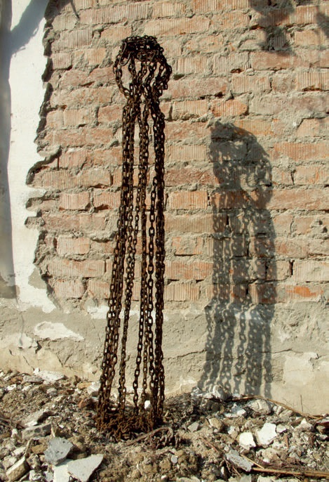 powerless chains - iron, 138x21x20cm - 2004 - 2500eur